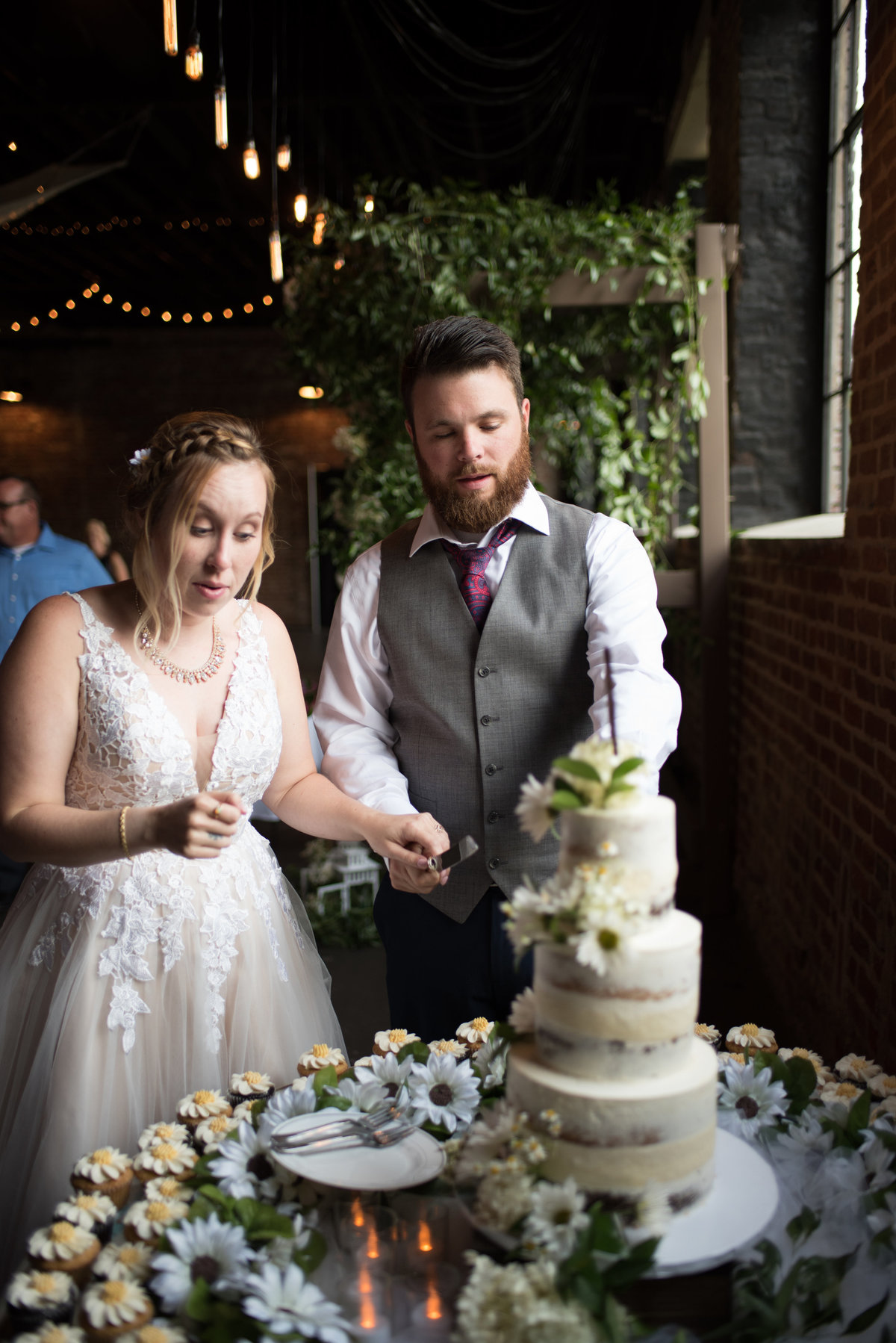 inn-at-the-old-silk-mill-september-autumn-floral-wedding-happy-to-be-events--0380