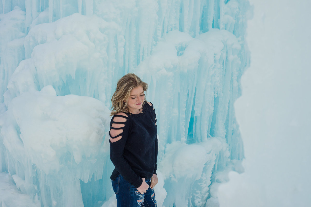 Edmonton-Sherwood-Park-Graduation-Lifestyle-Senior-Photographer_Ice-Castles-YEG-8