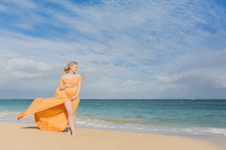 Maui maternity portraits-17- mobile
