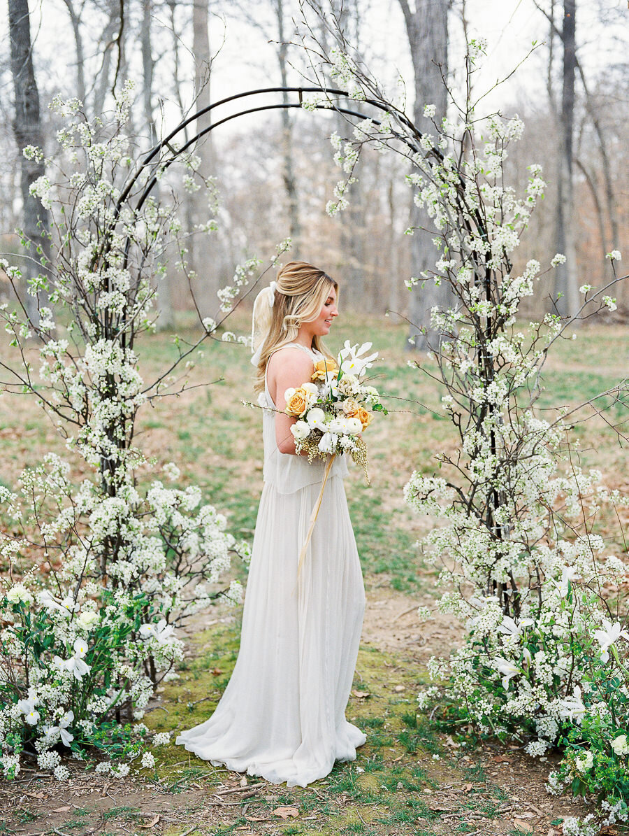 Graceful_Countryside_Fine_Art_Bridal_Maryland_Wedding_Megan_Harris_Photography-32