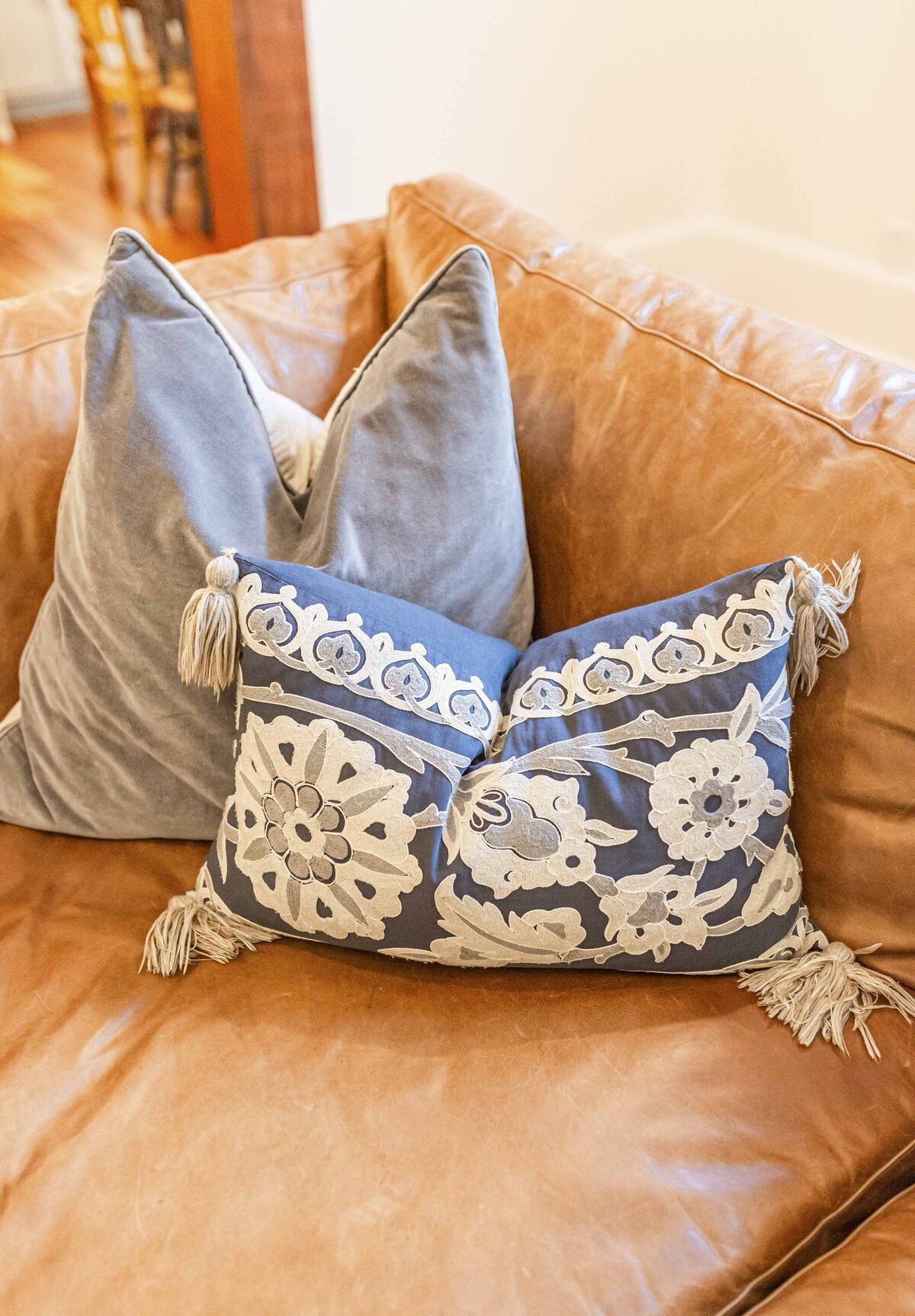 beautiful-blue-pillows-moda-designs