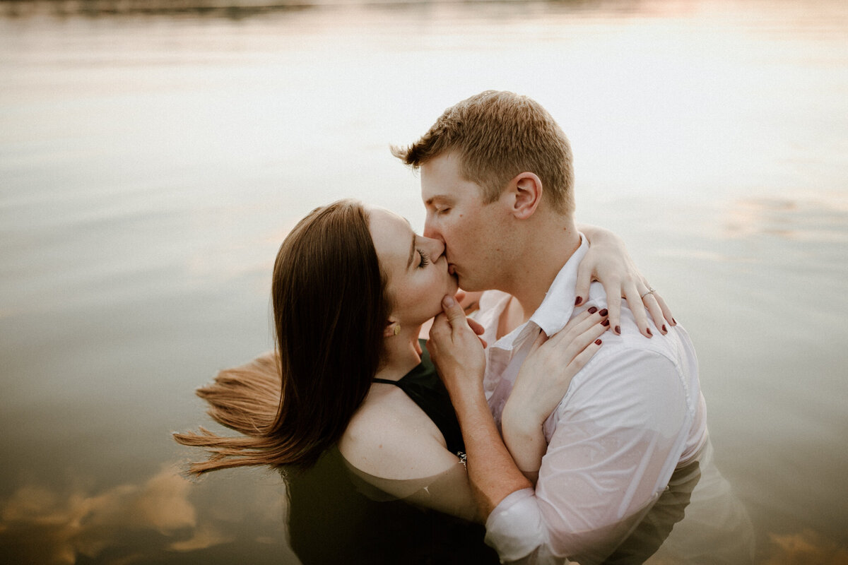 meg-thompson-photography-indianapolis-eagle-creek-engagement-session-mikayla-gannon-25
