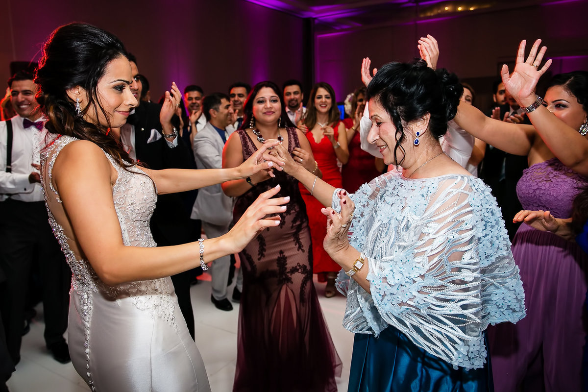 175-hotel-irvine-wedding-photos-sugandha-farzan