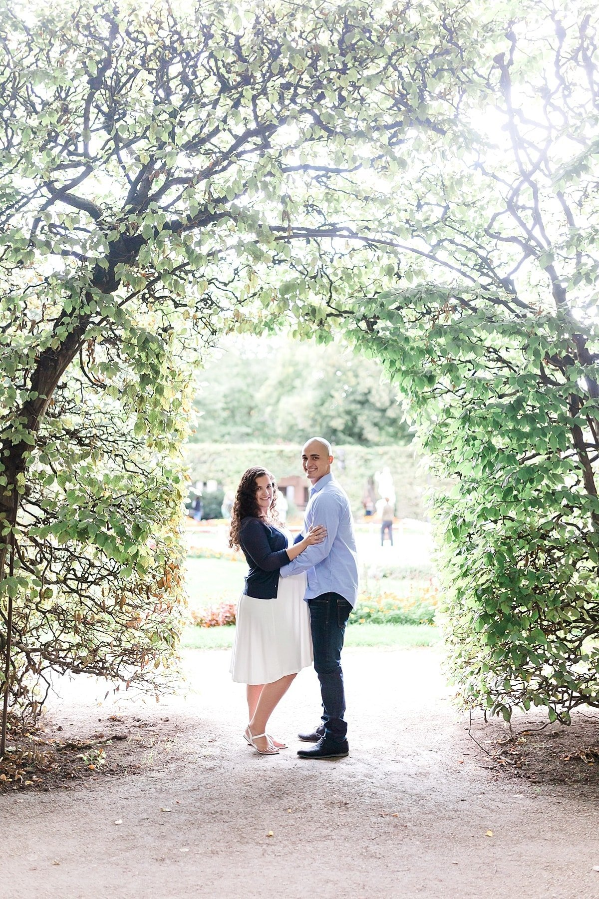 Houston luxury maternity session photographed by Alicia Yarrish Photography