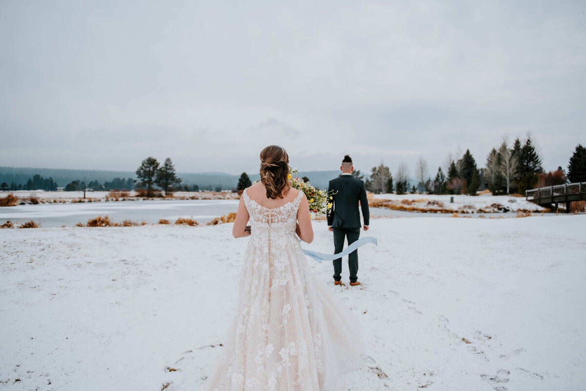 sunriver-resort-oregon-wedding-venue-christmas-elopement-photographer-destination-1559