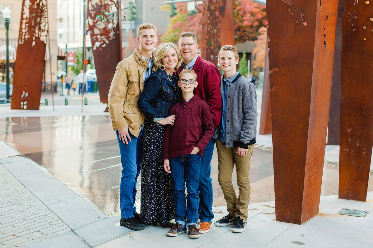 lee-ann-norris-boise-idaho-family-photographer-lifestyle-downtown