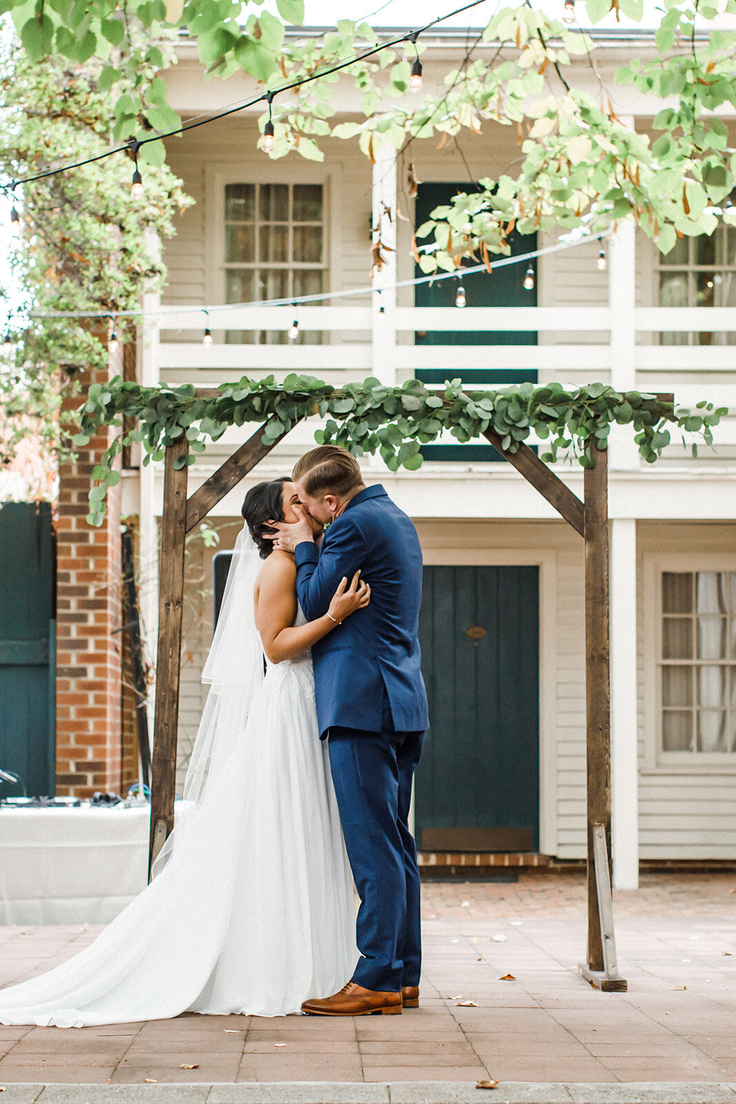 Virginia Wedding Photography at Linden Row Inn 7