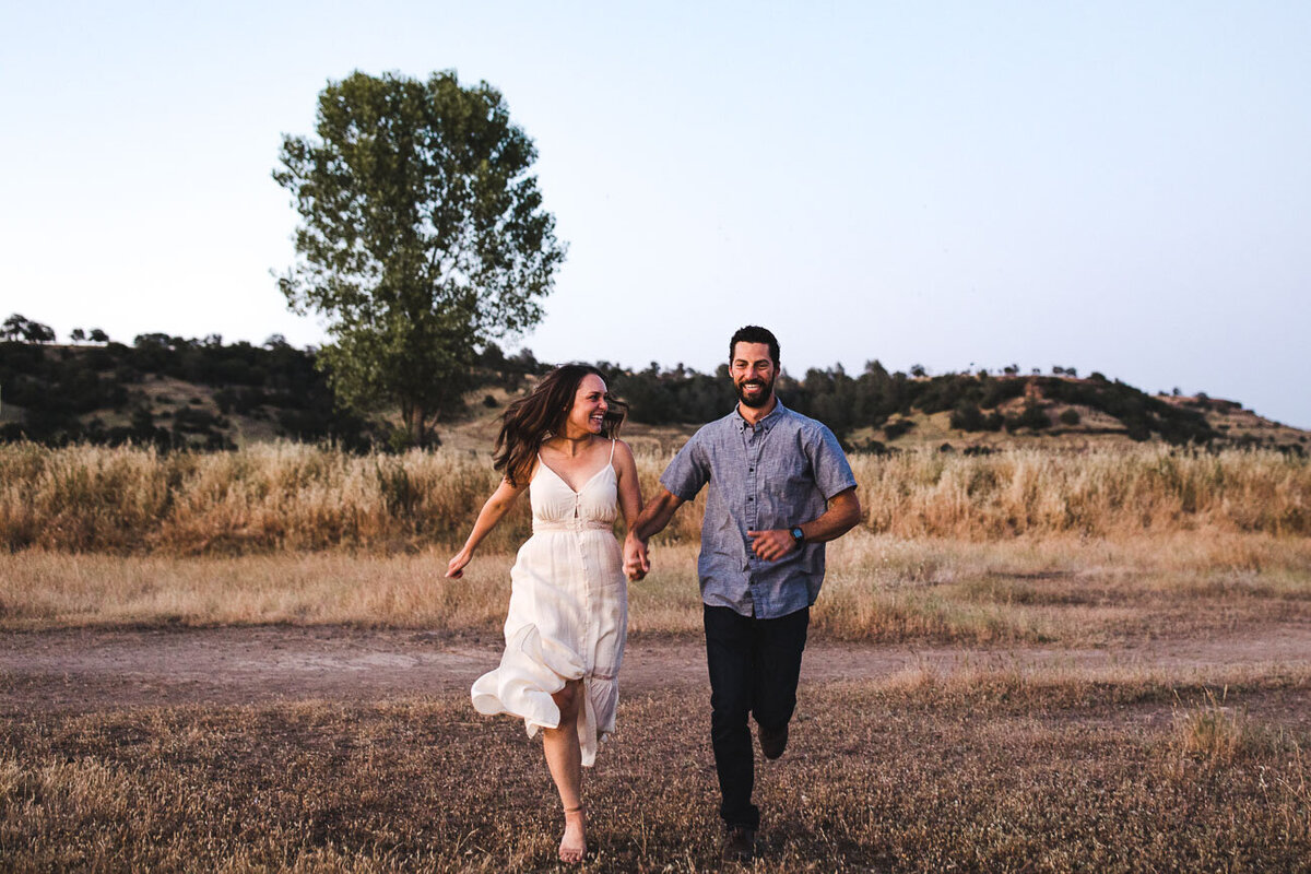 AVH_Photography_engagement_session_bidwell_park_california__V1_8674