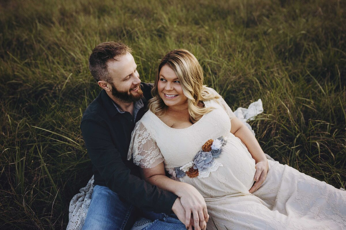 Husband and wife maternity photography in Lafayette