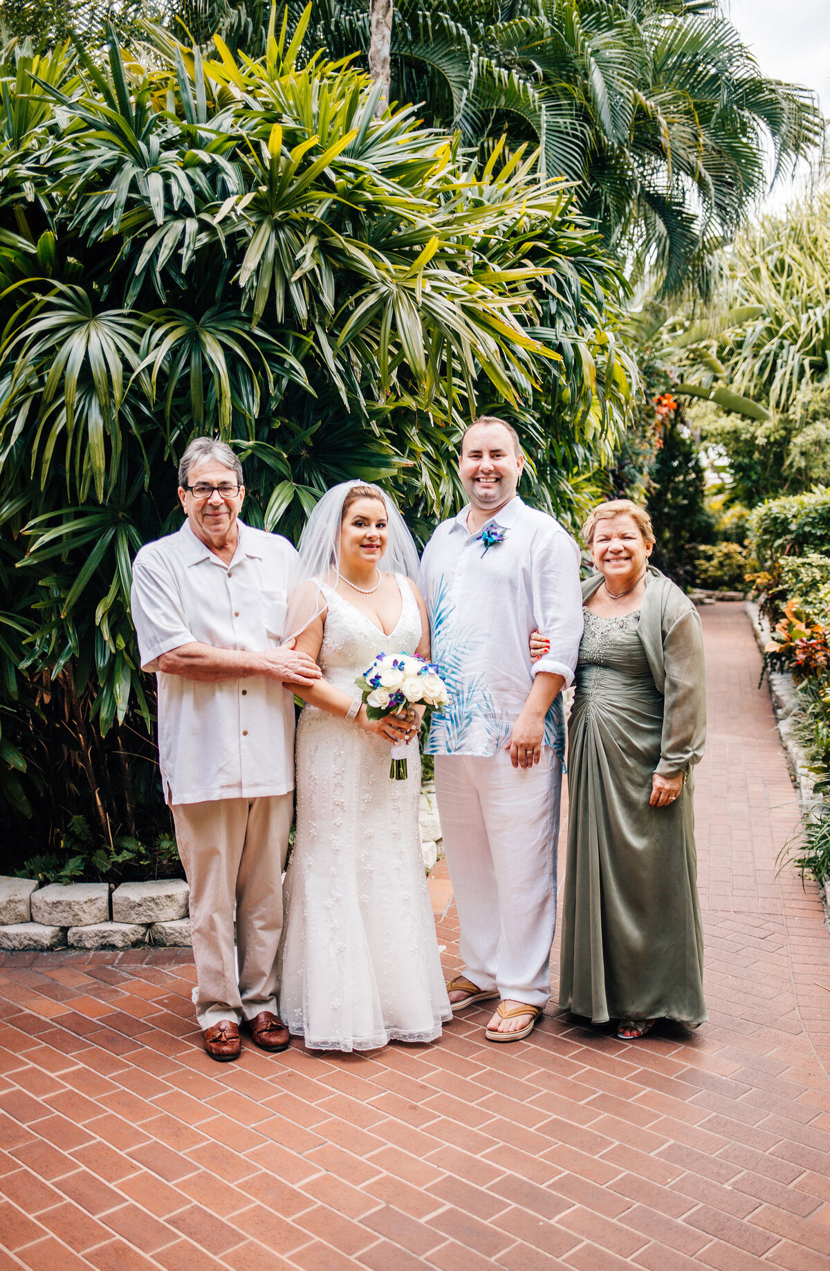 Kimberly_Hoyle_Photography_Bachman_Pier_House_Key_West_Wedding-23