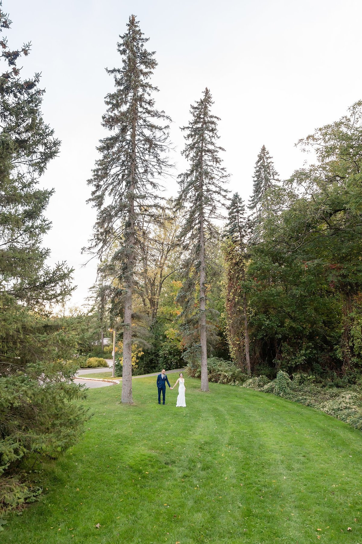Romantic Windermere Manor Wedding | Dylan and Sandra Photography 135