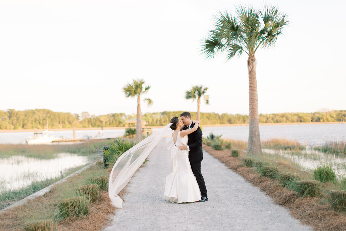 Powell_Oldfield_River_Club_Bluffton_South_Carolina_Beaufort_Savannah_Wedding_Jacksonville_Florida_Devon_Donnahoo_Photography_0946