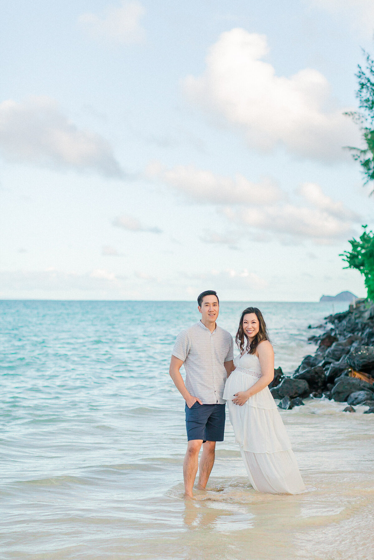 Blog-lanikai beach maternity session by hawaii maternity photographer veronica ilioi photography-0019