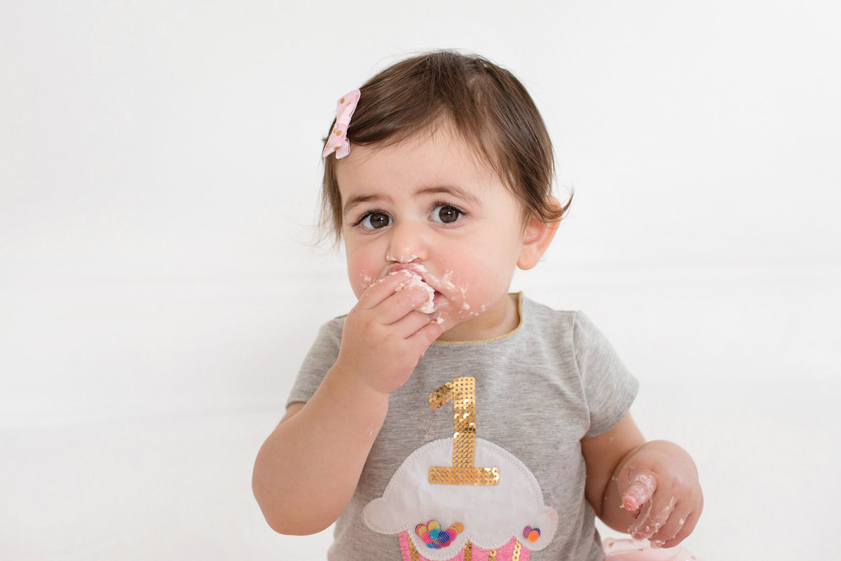 St-Louis-Studio-Child-Photographer-Cake-Smash-1-year-old-Sheth_59