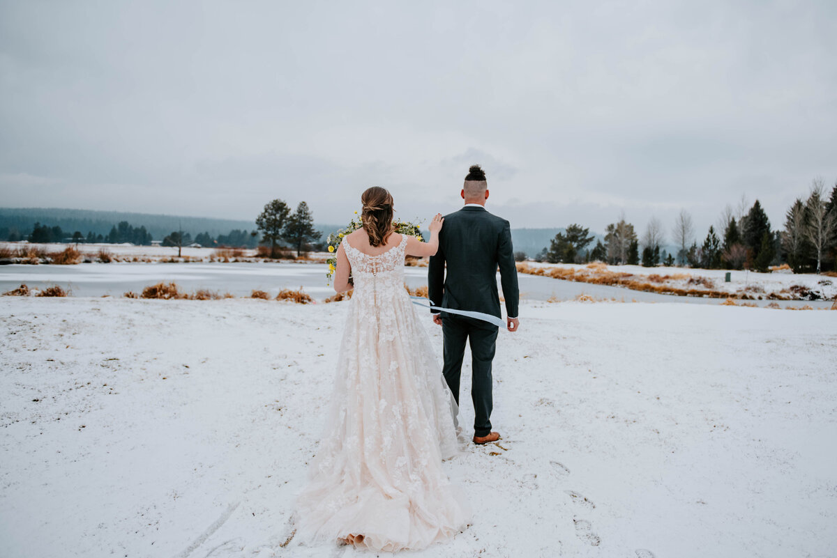 sunriver-resort-oregon-wedding-venue-christmas-elopement-photographer-destination-1567