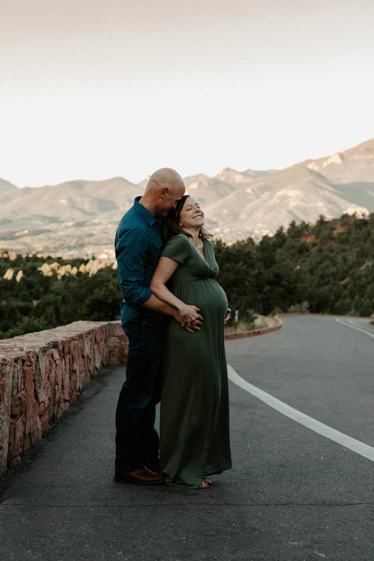 colorado-springs-garden-of-the-gods-sunrise-couples-adventure-session-colorado-elopement-photographer-15