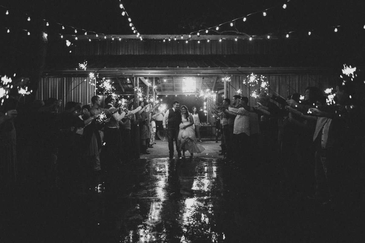 houston-barn-wedding-rainy-day
