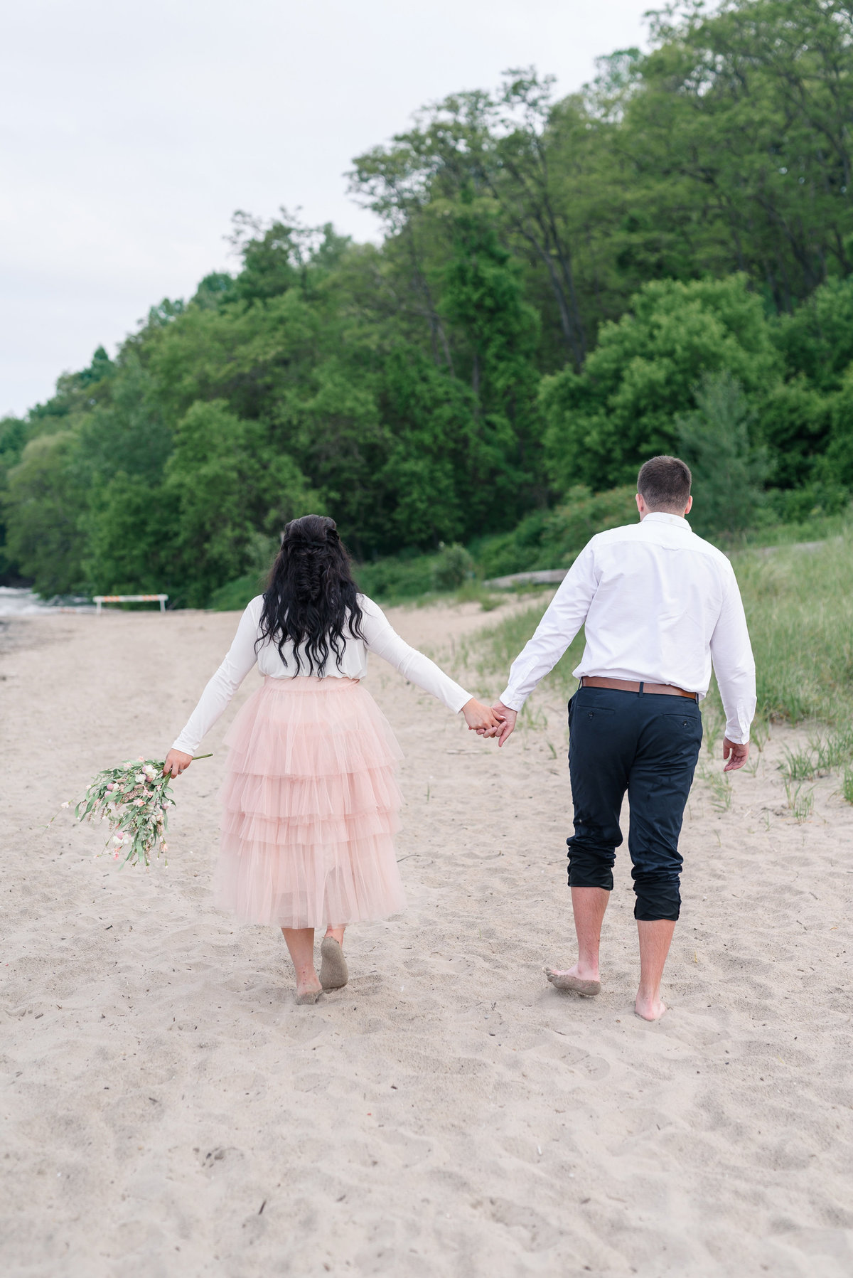 atwater-beach-engagement-milwaukee-the-paper-elephant-032