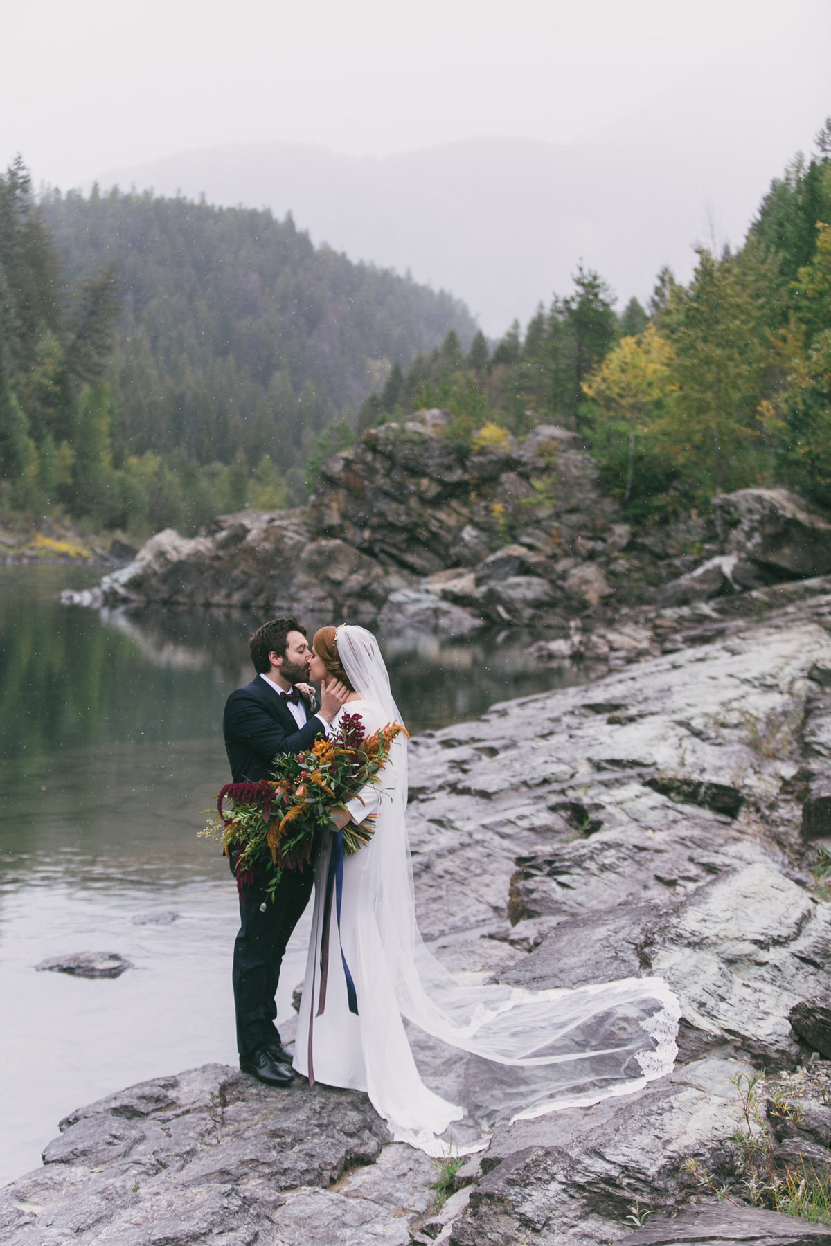Jennifer_Mooney_Photography_Abbey_Stephen_Fall_Winter_Glacier_Park_Elopement-44