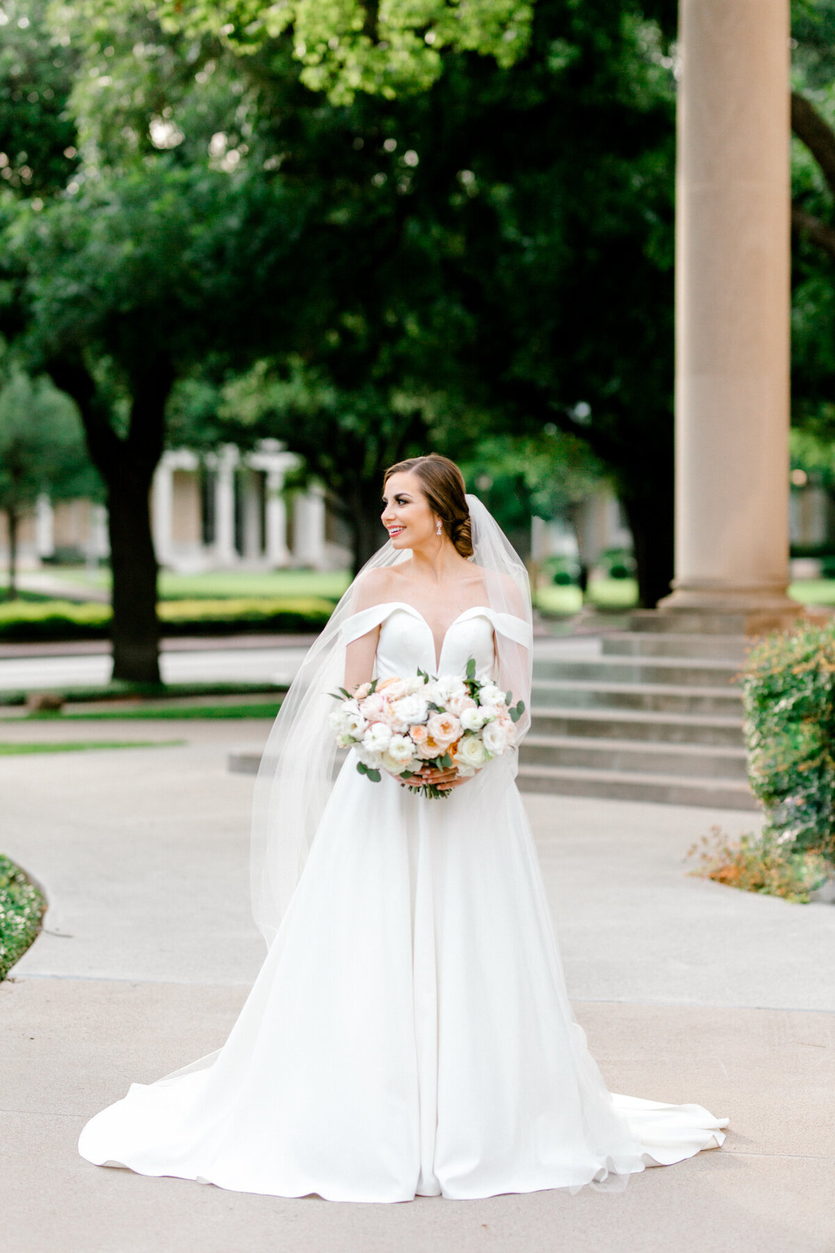 Lexi Broughton Bridal Portraits at TCU Robert Carr Chapel Fort Worth, Texas | Sami Kathryn Photography | Dallas DFW Wedding Photographer | R. Love Floral Blush and Peach Bouquet-34