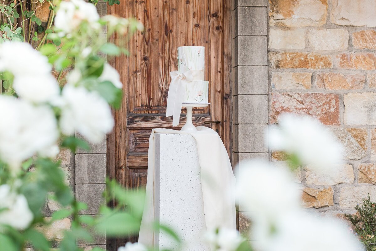 Kelli-Bee-Photography-Blog-Sunstone-Winery-Villa-Styled-Wedding-0204