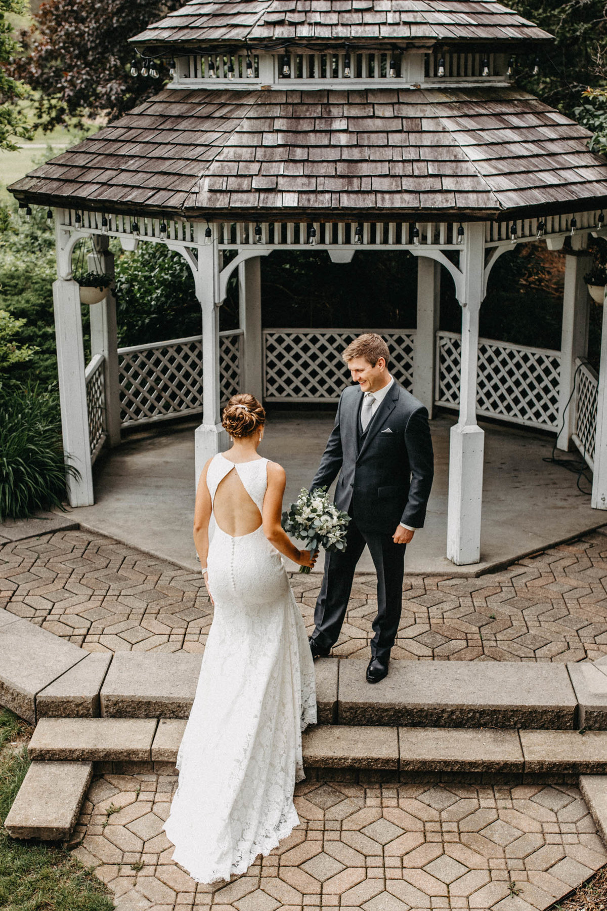 gazeebo-wedding-first-look-bolingbrook-il-elopement-photographer-3