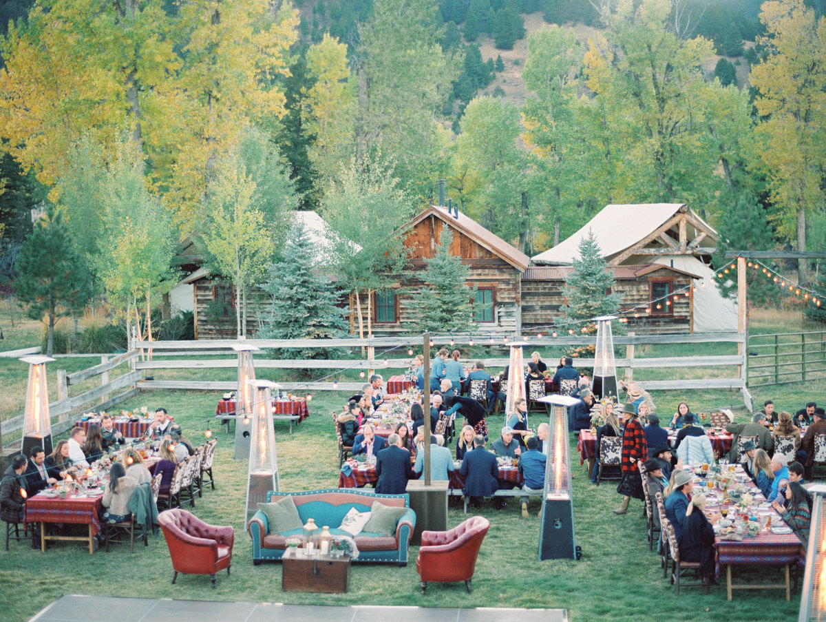 reception-special-event-light-mountain-tree-cabin-dinner