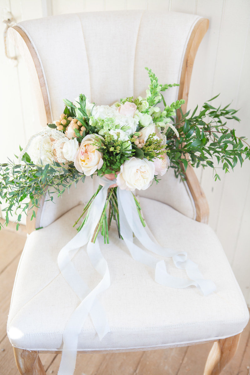 Fiddle-and-Fern-Floral-bouquet-Kelly-Pomeroy-Photography-1