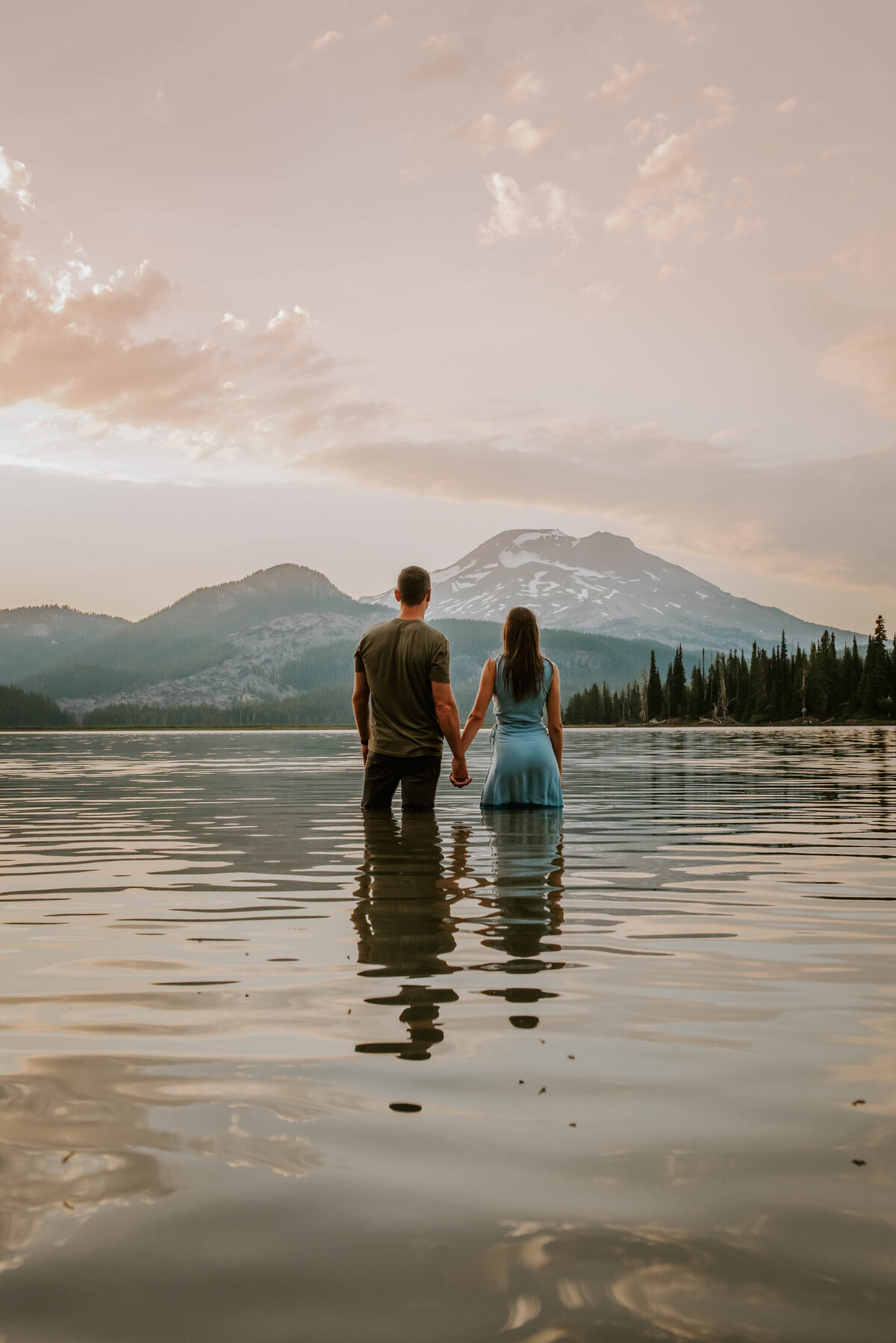 sparks-lake-oregon-couple-photographer-elopement-bend-lakes-bachelor-sisters-sunset-6024