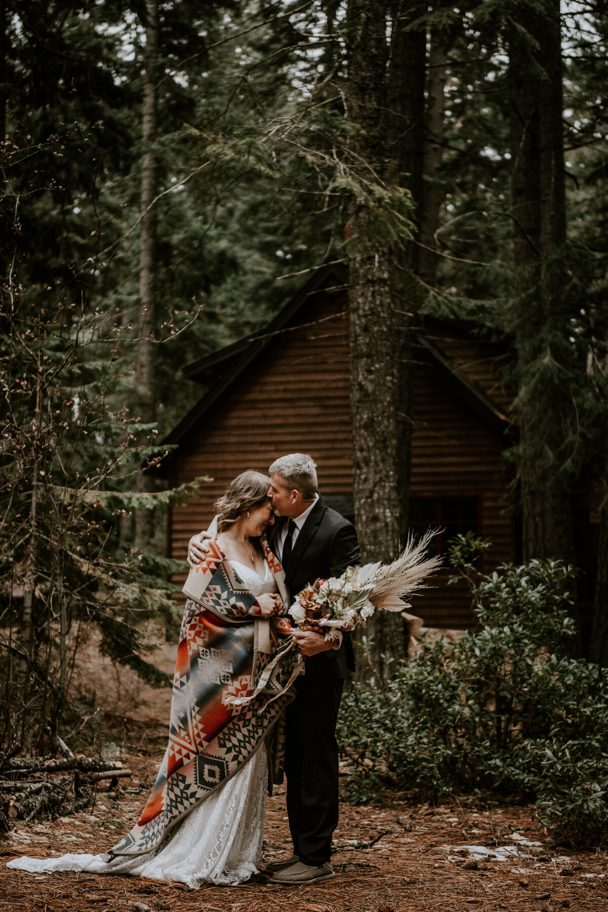 suttle-lake-sisters-oregon-lodge-woods-vow-renewal-photographer-wedding-elopement-2957
