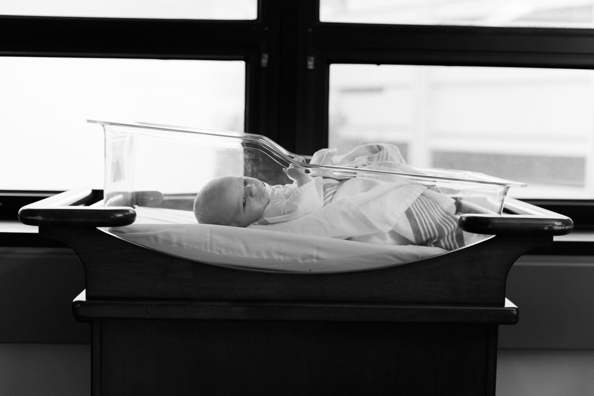 Oahu, Hawaii Fresh 48 Photographer – Fresh 48 Photography - Brooke Flanagan Photography - Baby in hospital crib in black and white