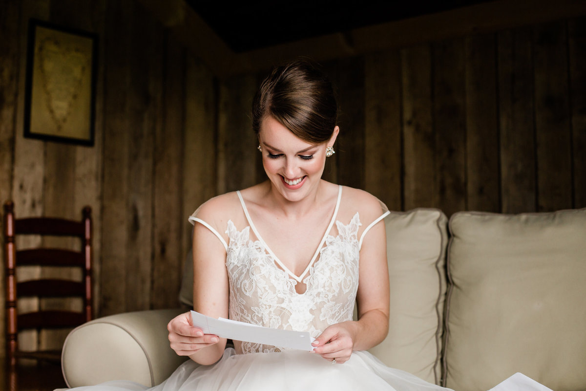 Danielle-Defayette-Photography-Middle-Fork-Barn-Wedding-Bristol-191