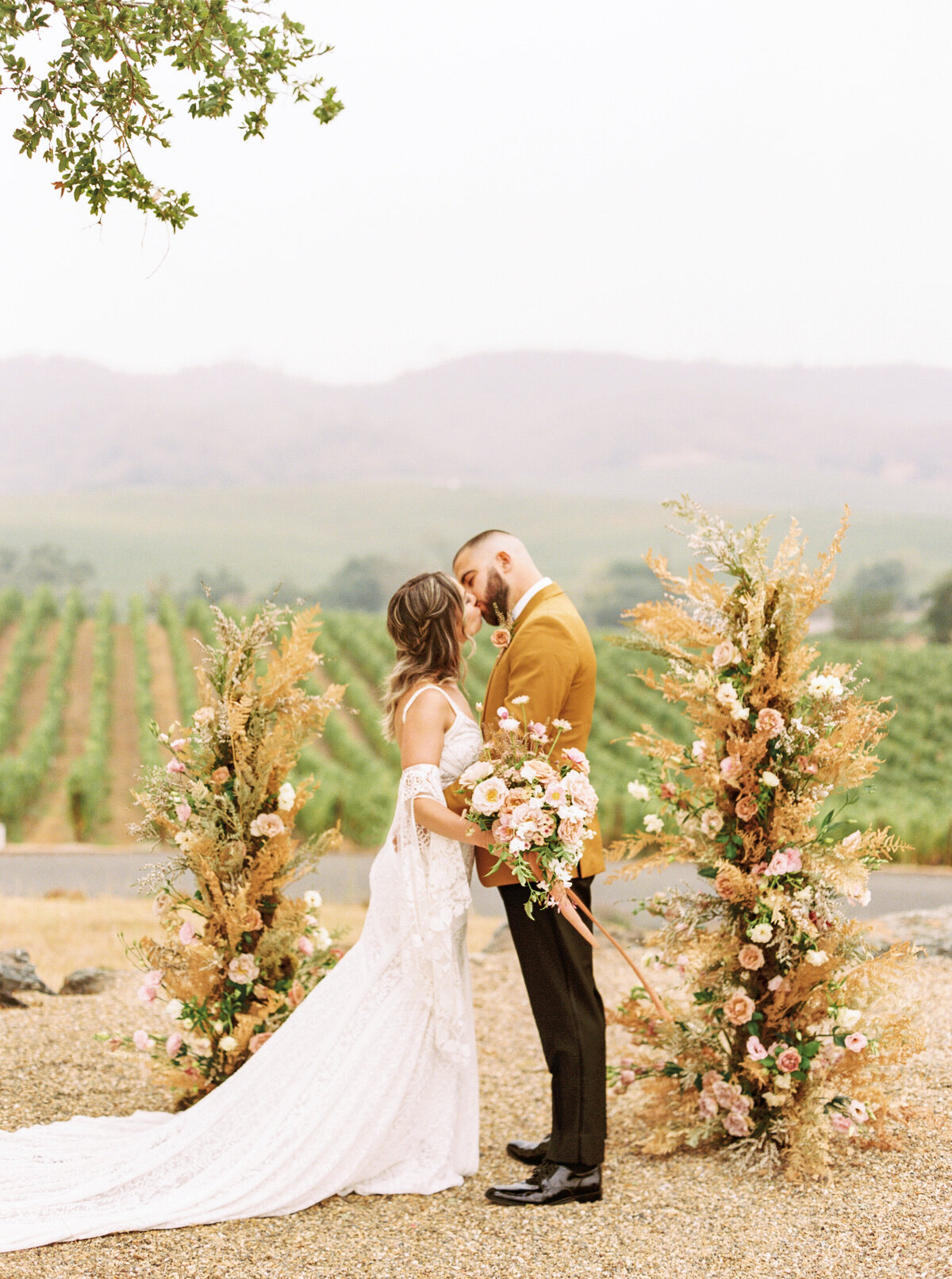 OMP- Tuscan Romantic Wedding-23