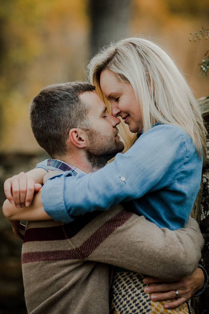 11_Outdoor_Couple_Engagement_Fall_Sunset_Maryland_Oregon_Ridge