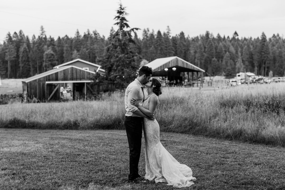 alycia-lovell-photography-portland-seattle-wedding-photographer-2586