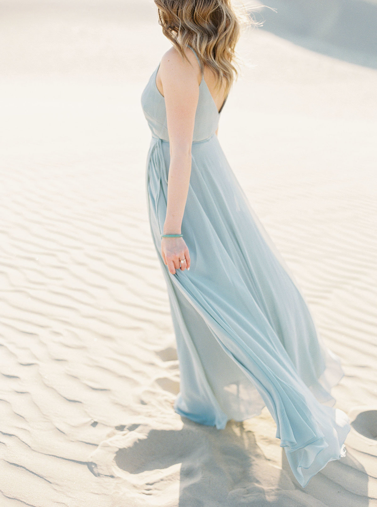 sand-dune-engagement-photos-9