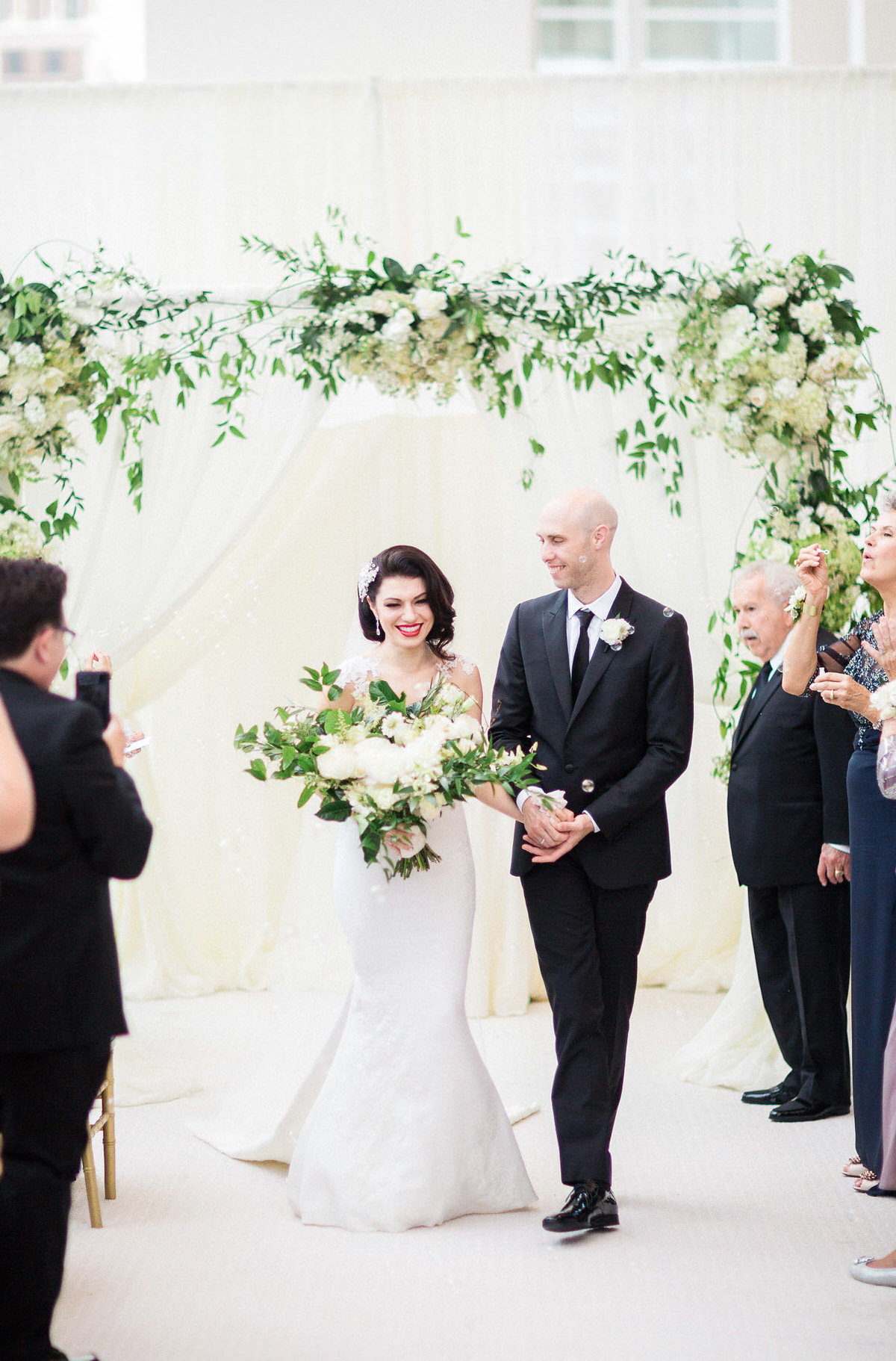 modern chuppah, white floral, ceremony decor