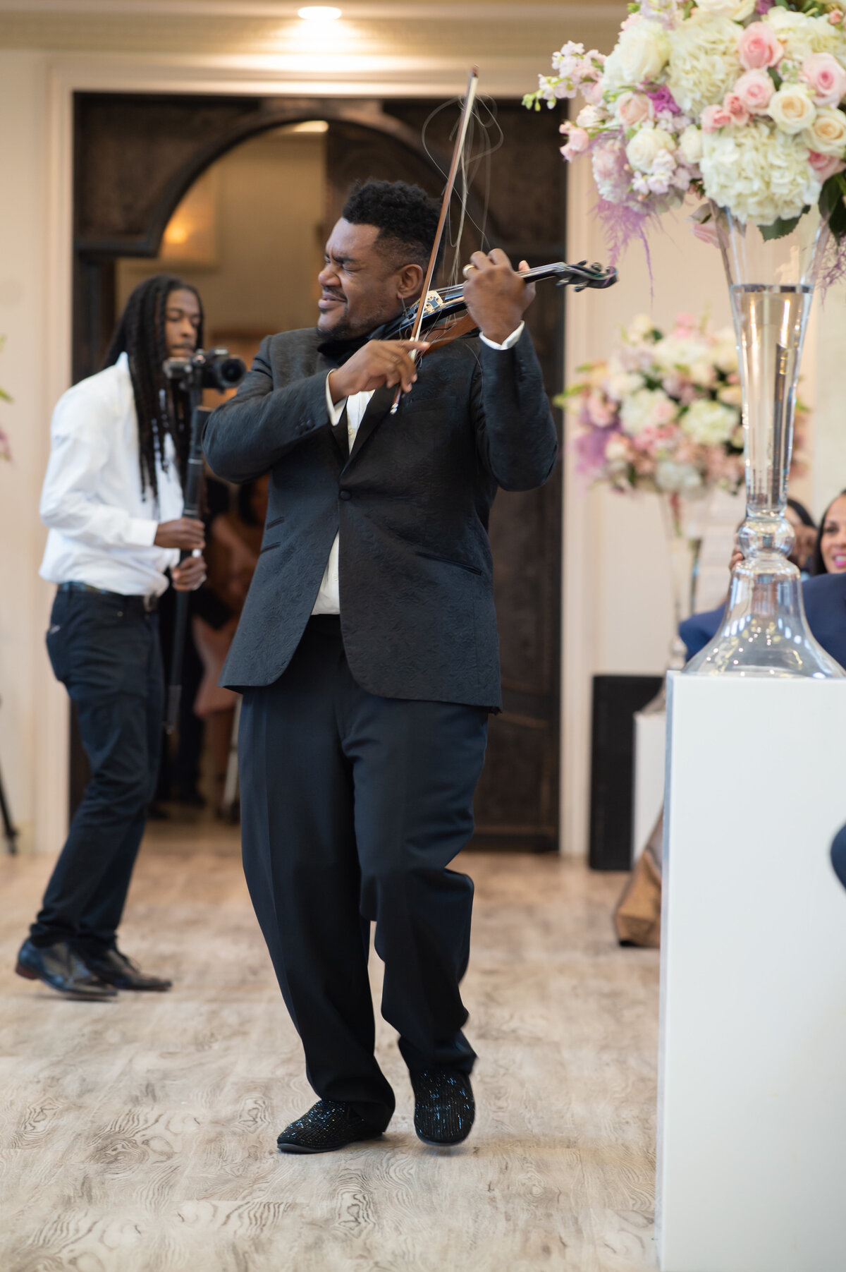 34thstreetevents-violinist-ceremony-knottinghill