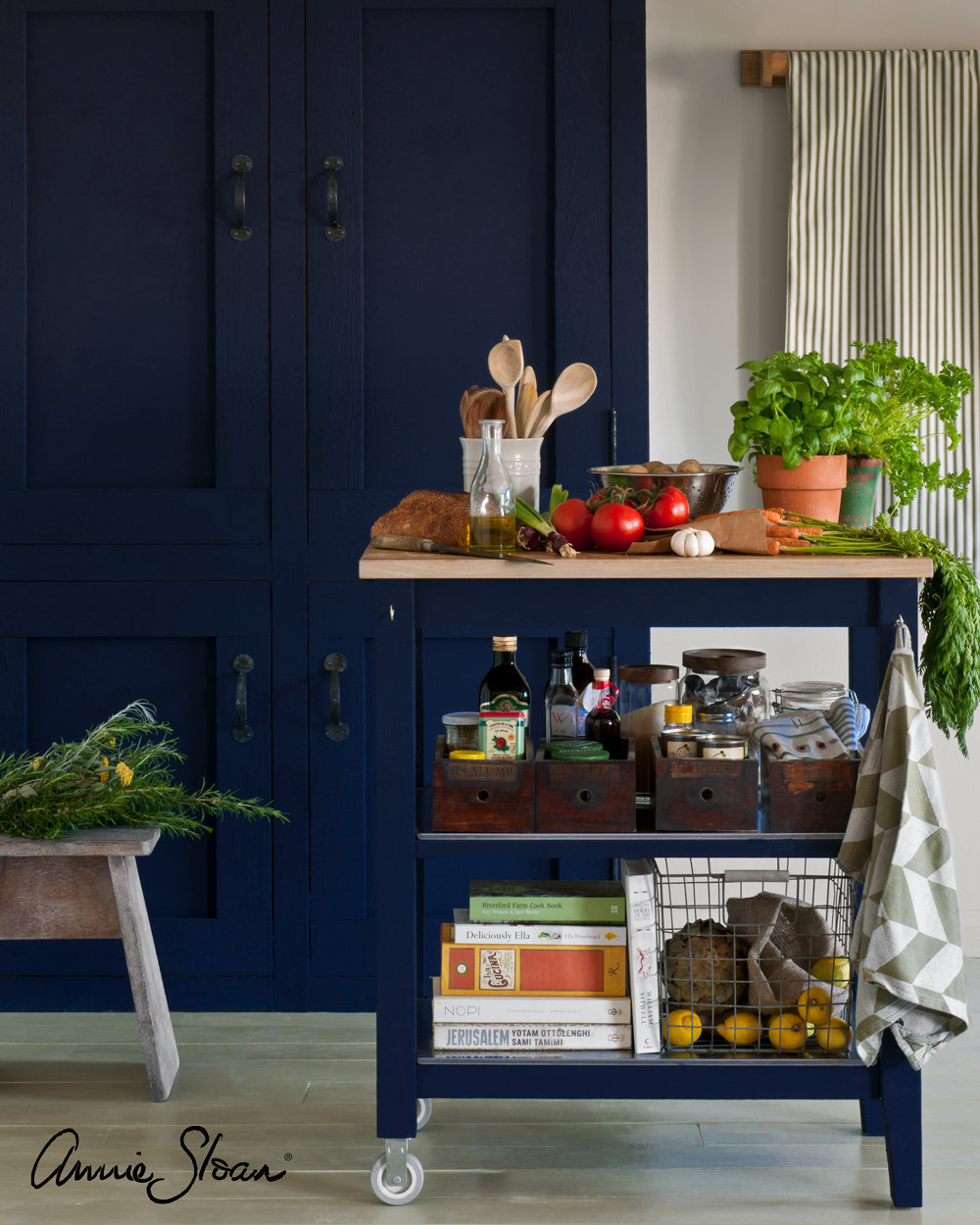 Oxford-Navy-kitchen-image-1-1