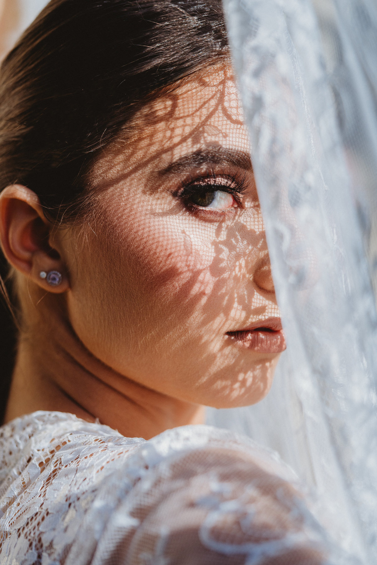 ARTISTIC CREATIVE BRIDAL PORTRAITS WEDDING PHOTOGRAPHER NYC