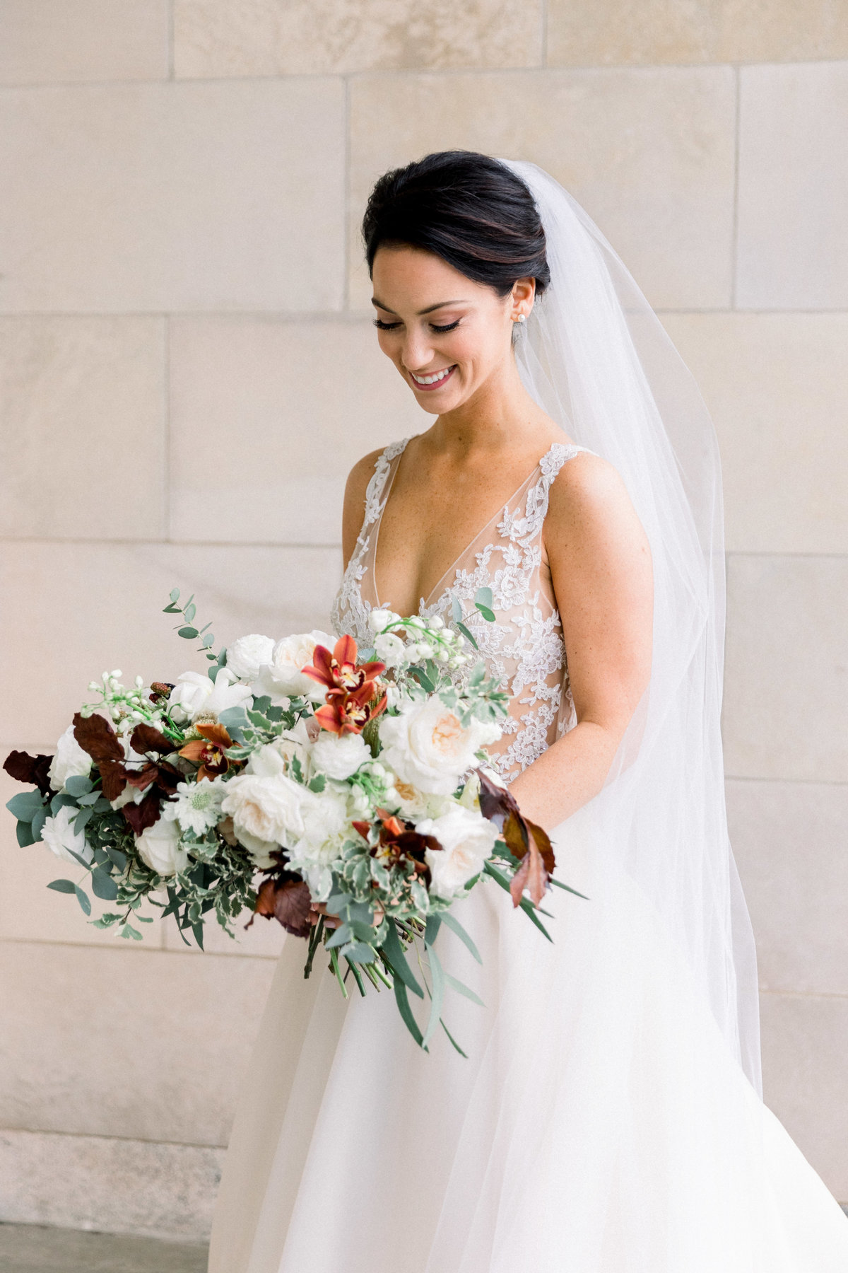 pretty bride bouquet Winterthur wedding florist