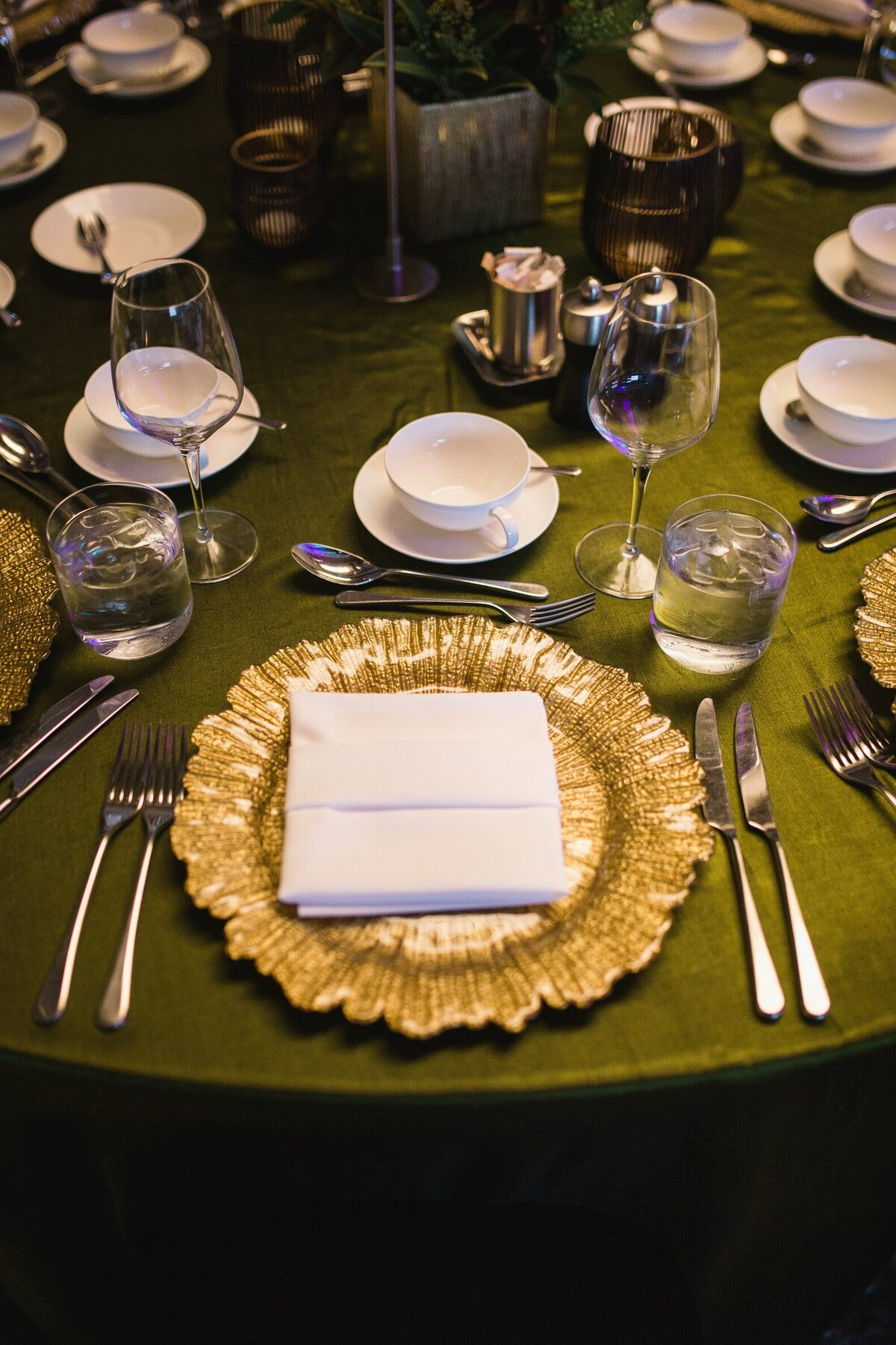 olive-green-gold-black-corporate-gala-dinner (4)