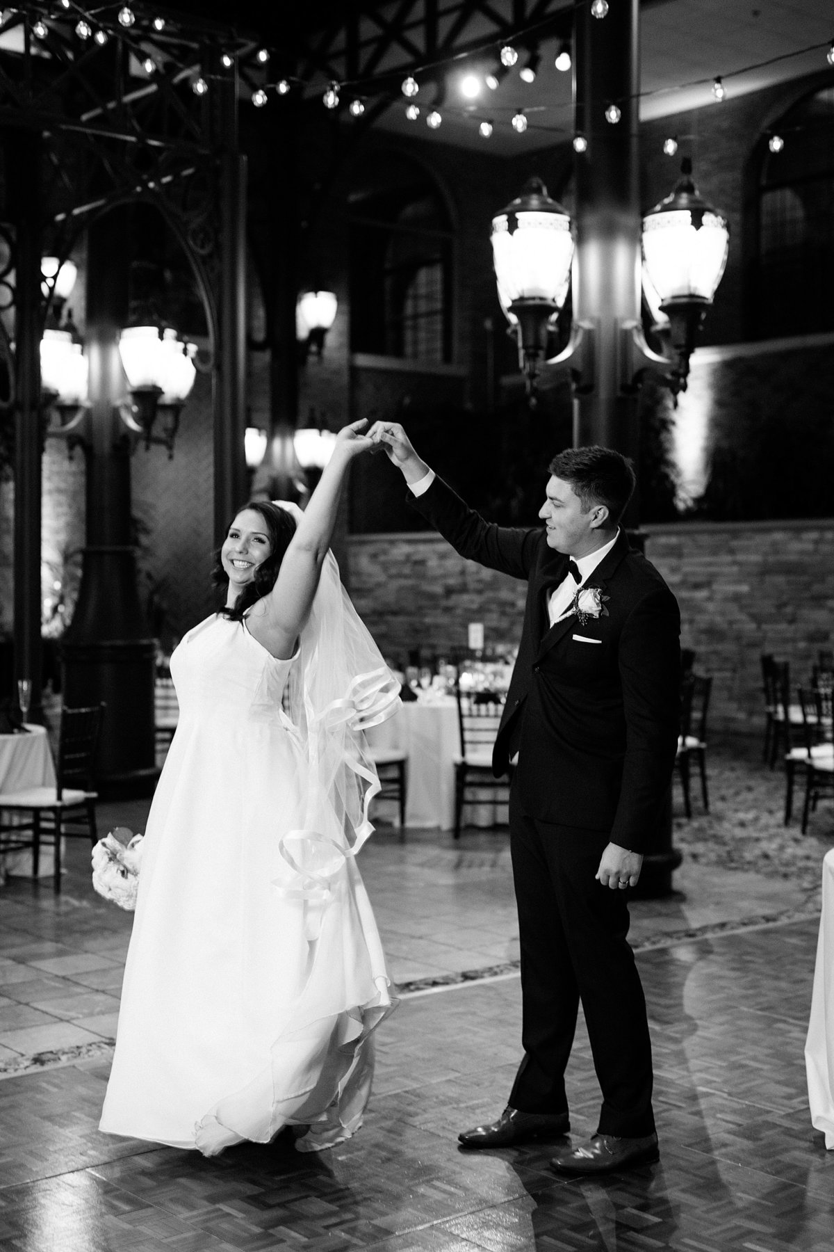 Rachel-Matt-Inn-at-St-Johns-Wedding-Michigan-Breanne-Rochelle-Photography120