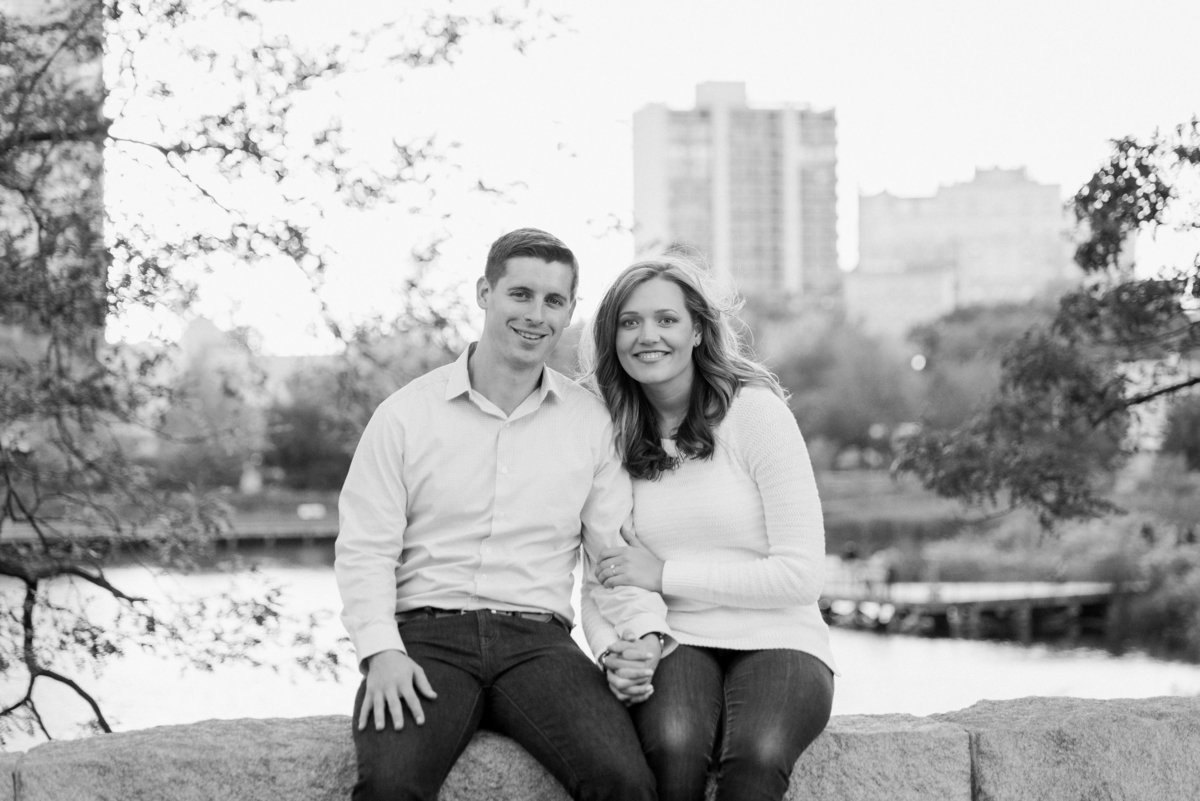 lincoln-park-engagement-chicago-the-paper-elephant-0020
