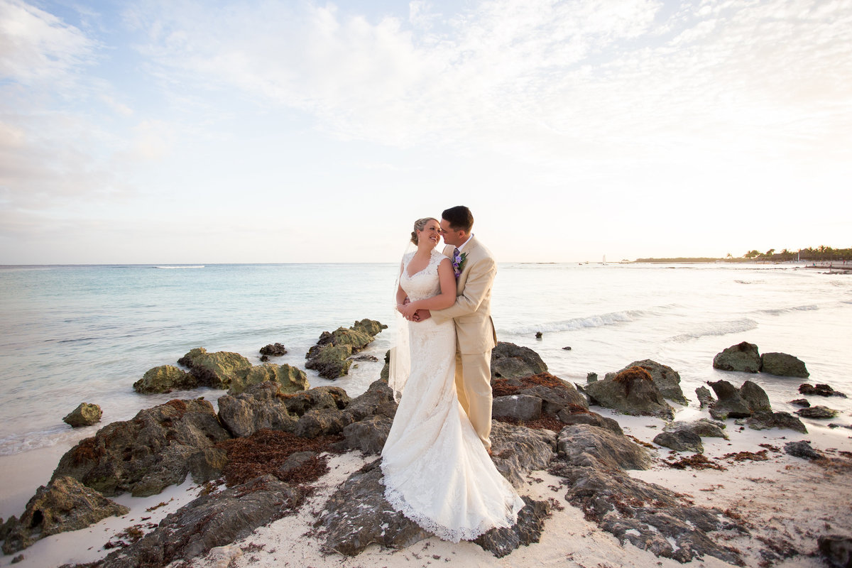 bride and groom on the beach in Mexico