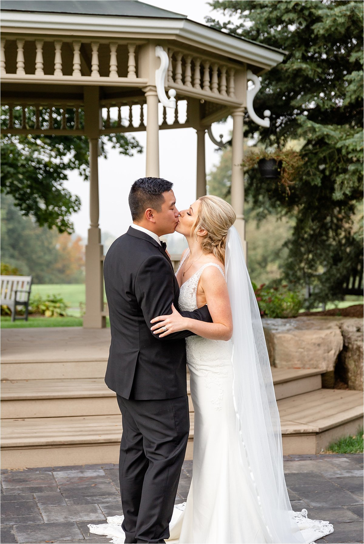 Lionhead Golf and Country Club Wedding Venue in Oakville Ontario by Dylan and Sandra Photography