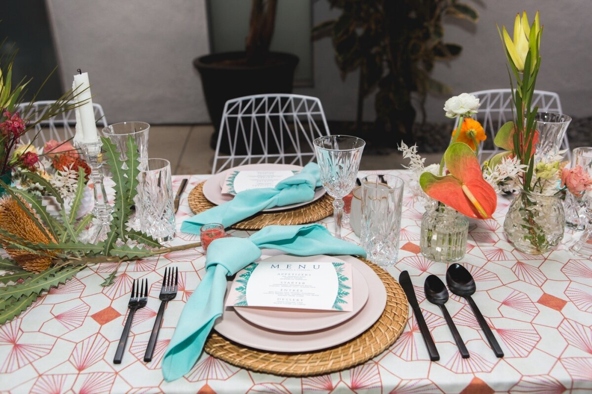 Bright_Tropical_Wedding_Table_Decor_Los_Angeles