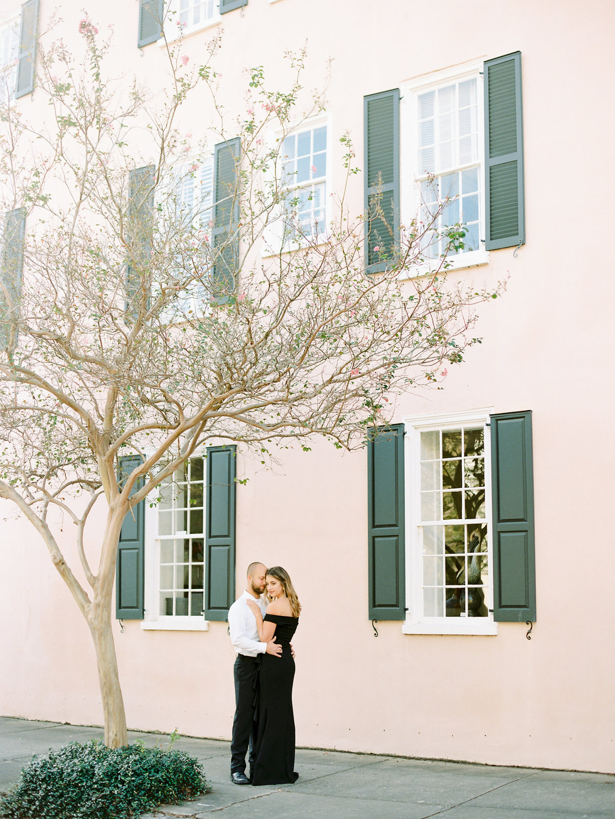 Rainbow-Row-Downtown-Charleston-Engagement-17