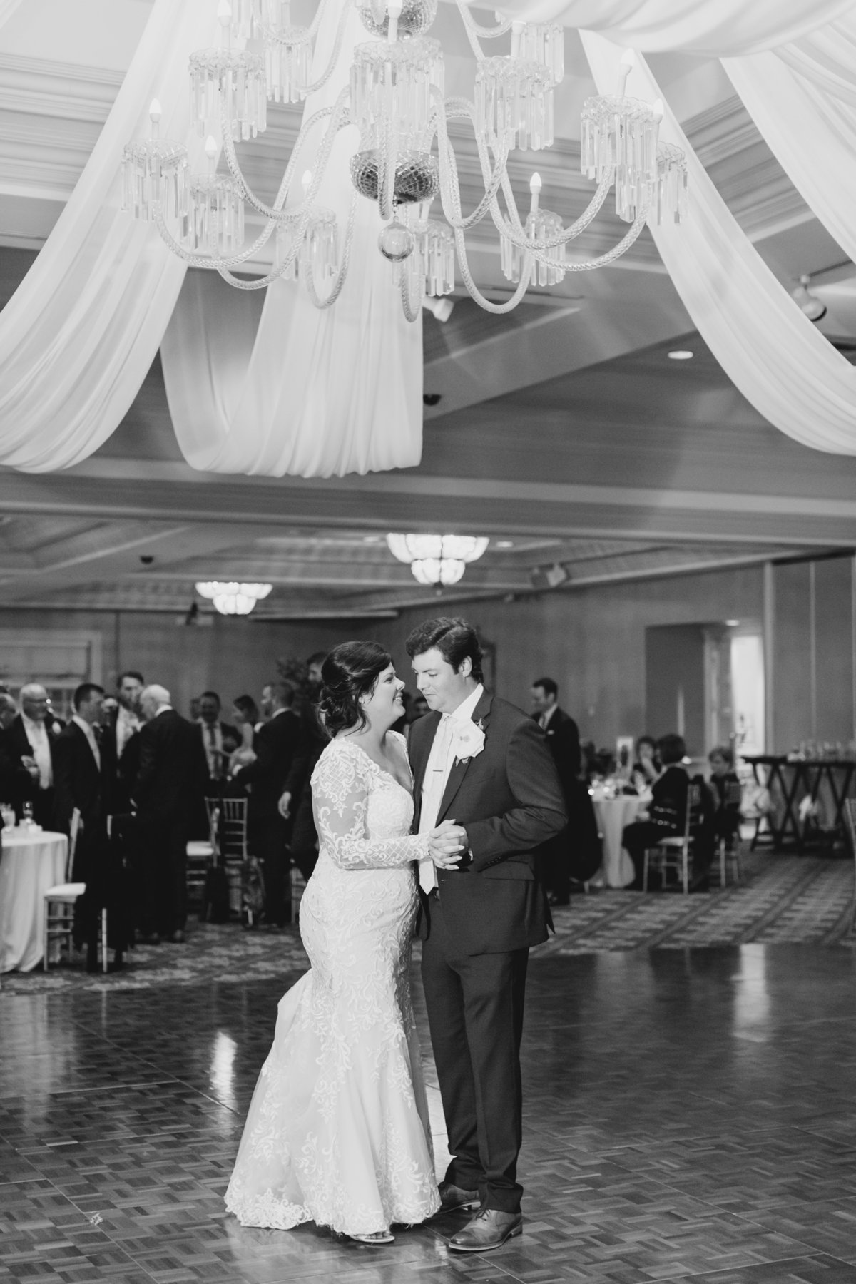 lindsey-taylor-photography-chicago-bolingbrook-wedding-photographer39