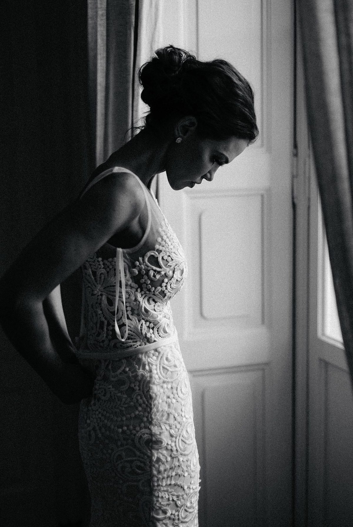 bride putting on dress villa in italy